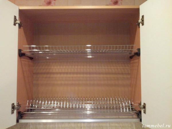 Шкаф-сушка для посуды.