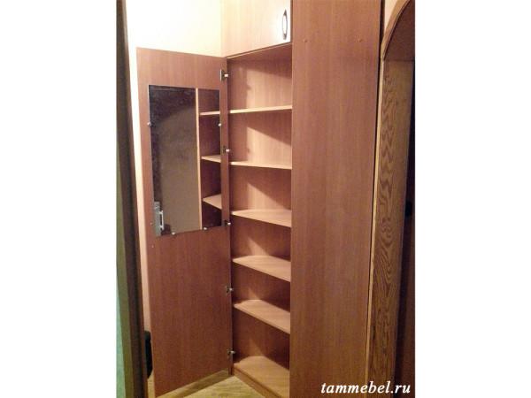 Угловой шкаф для прихожей.