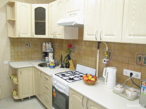 Угловая кухня МДФ в классическом стиле.
