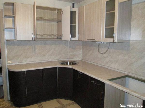 Угловая кухня с фасадами МДФ