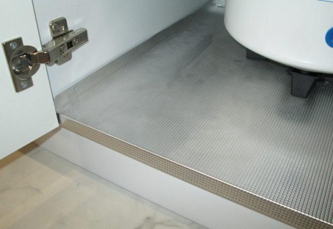 Алюминиевый поддон в столе-мойке