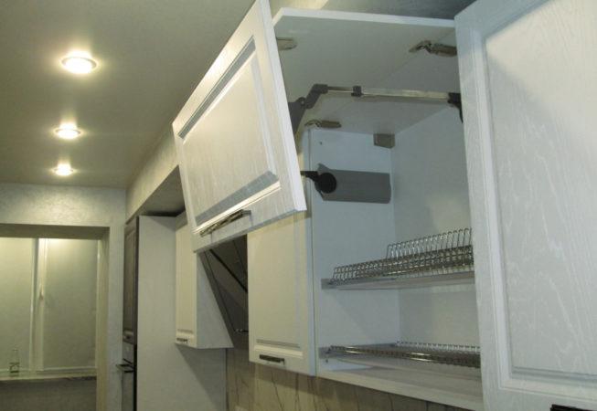 Шкаф-сушка с подъёмным механизмом Blum Aventos HF