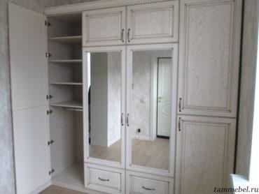 Установка шкафа с фасадами из массива ясеня